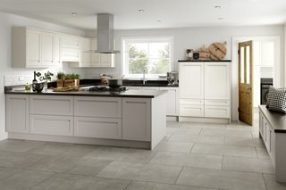 Integrated J Profile Shaker Kitchen (Ivory and Cashmere)