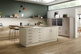Moda Ivory and Cashmere Shaker Style Kitchen