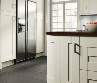 Shaker Painted Ivory Kitchen