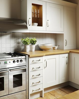 Shaker Wood White Kitchen